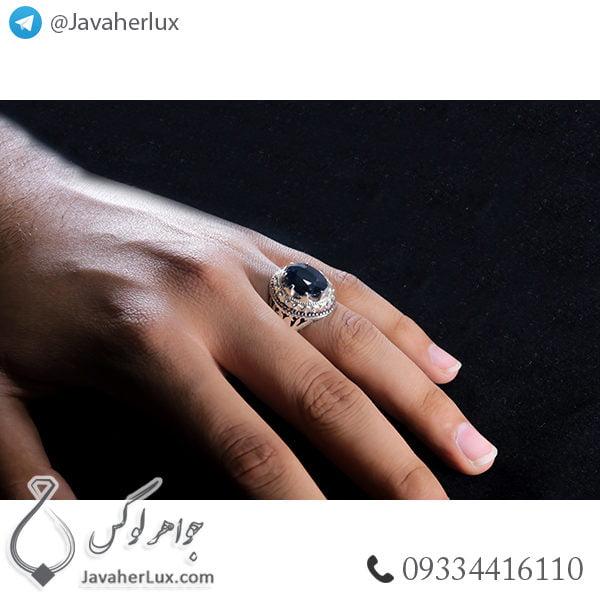 انگشتر نقره مردانه یاقوت کبود مدل اورند _ کد : 100406